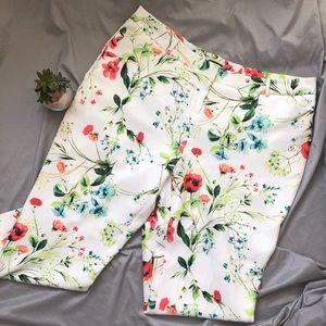 "Worthington Slim Fit Floral Capri Pants 18W x 27"""